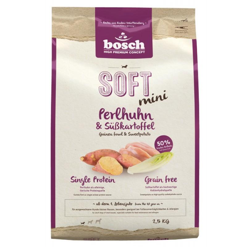 Полувлажный корм для собак Bosch Soft Mini с цесаркой и бататом 2,5 кг